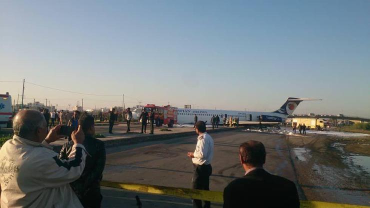 خروج هواپیمای شرکت هواپیمایی کاسپین از باند فرودگاه در ماهشهر+فیلم