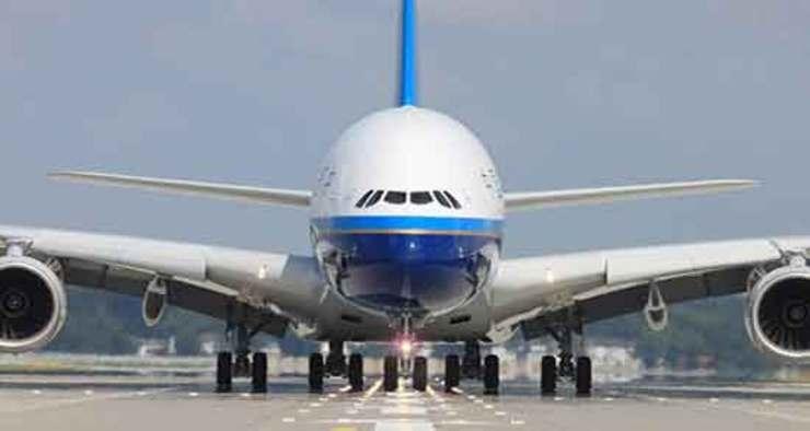 نقص فنی هواپیمای کاروان شهر خودرو/ دو بازیکن در دوبی ماندند