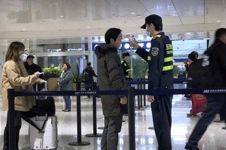 کنترل کرونا در فرودگاه امام خمینی (ره)+فیلم
