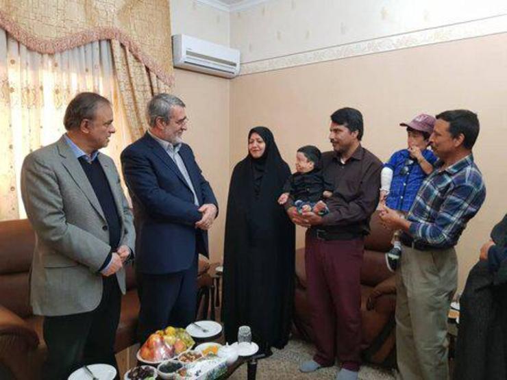 دیدار وزیر کشور با کوتاه قامت ترین مرد ایران در مشهد