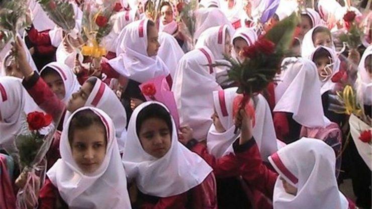 جشن شکوفهها و آغاز سال تحصیلی در سراسر کشور