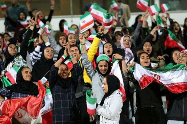 زنان ایرانی دوباره فروردین ۹۹ به ورزشگاه آزادی میروند