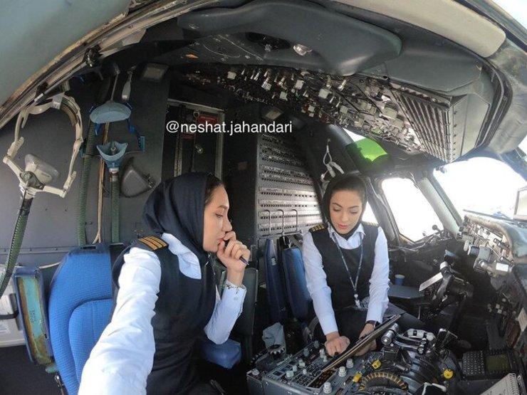 نخستین پرواز رفت و برگشت تهران مشهد با دو خلبان زن