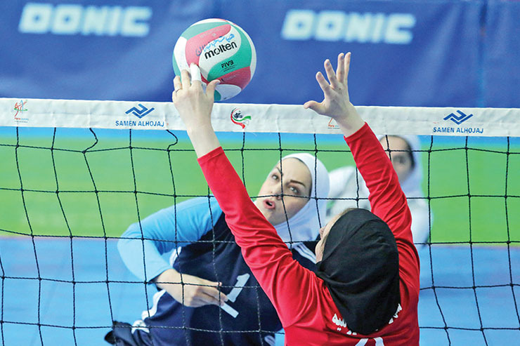 سرمربی والیبال نشسته بانوان مشهد: بهای جوانگرایی را پرداختیم