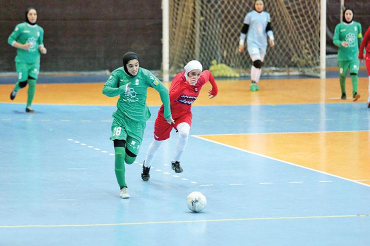 برگزاری رقابت های لیگ برتر فوتسال بانوان  لغو ۲ بازی و آتشبازی خراسانیها