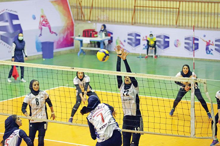 آغاز تلاش مشهدیها برای رسیدن به فینال والیبال