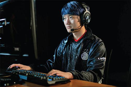 بازیکنانهای آسیایی در زمین آمریکاییها