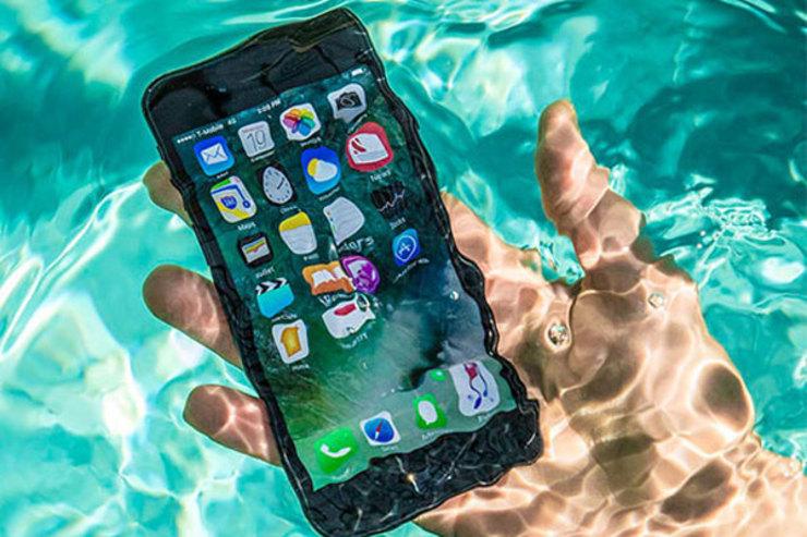 گوشی هوشمند خیسشده را چگونه نجات دهیم
