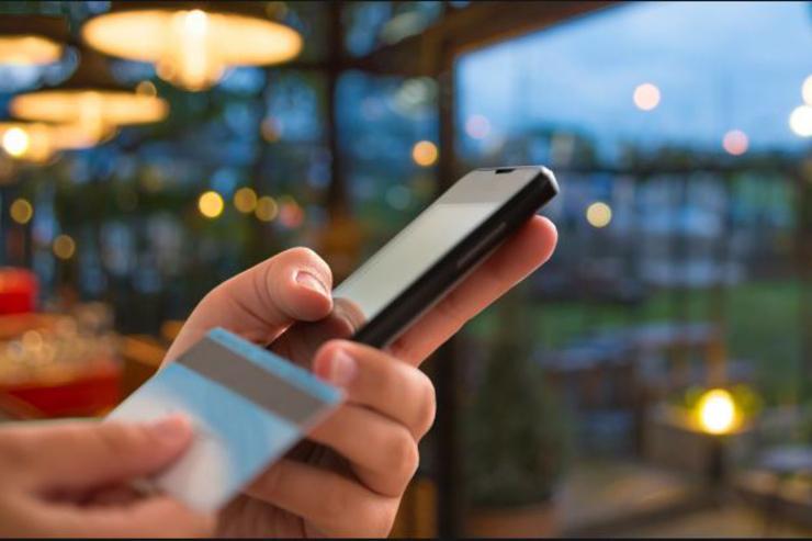 موبایل چگونه جایگزین کارت بانکی میشود؟
