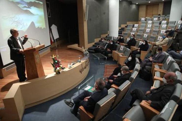 هنری/ برپایی آیین اختتامیه نخستین نمایشگاه و همایش بینالمللی خوشنویسی راه ابریشم (رقص قلم) در مشهد