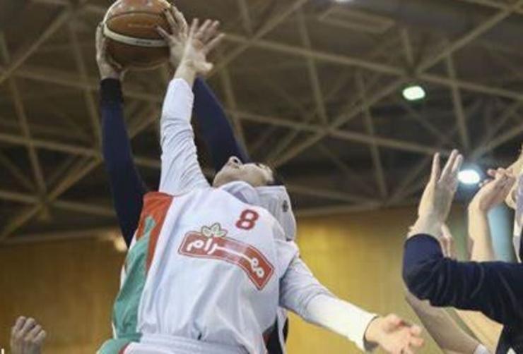 بانوان بسکتبالیست مهرام در نزدیکی فینال
