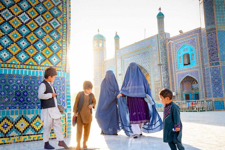 زیارت سخی در شهر مزارشریف افغانستان | ارادت افغانها به حضرت علی(ع) + عکس