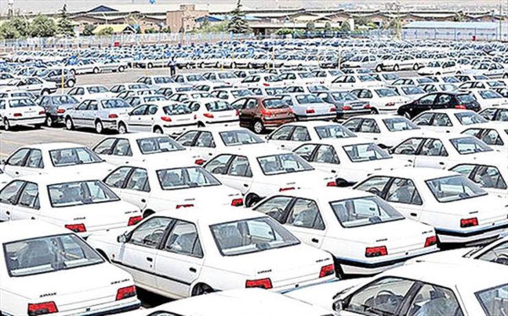 خودروهای احتکار شده به قیمت کارخانه به فروش میرسد
