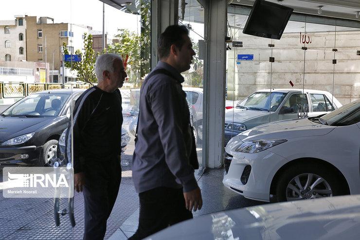 کاهش قیمت خودروهای کارکرده/نمایشگاهداران آماده اجرای قانون فروش خودرو ۱۰درصد بالاتر از قیمت کارخانه