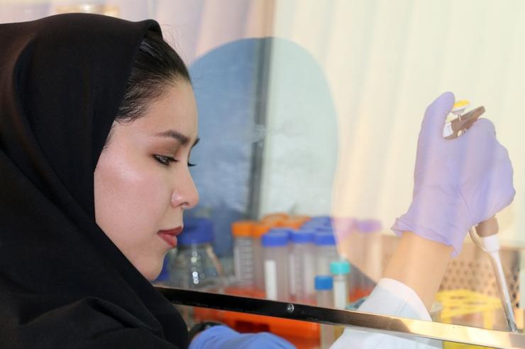 گفتوگو با فاطمه فاضل مهاجر افغانستانی و یکی از شش دانشمند جوان «بنیاد ارِل» کانادا