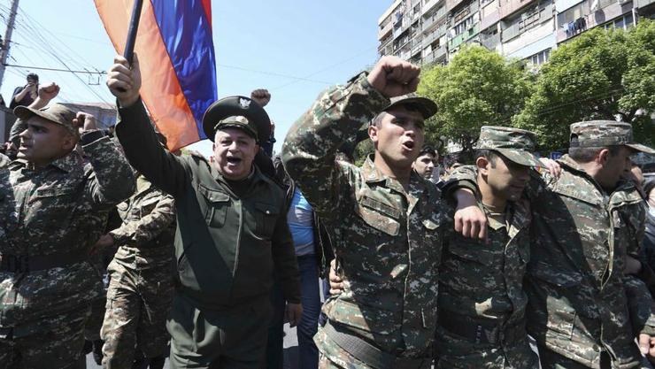 ارتش انتقام شهدایمان را از ارمنستان گرفت
