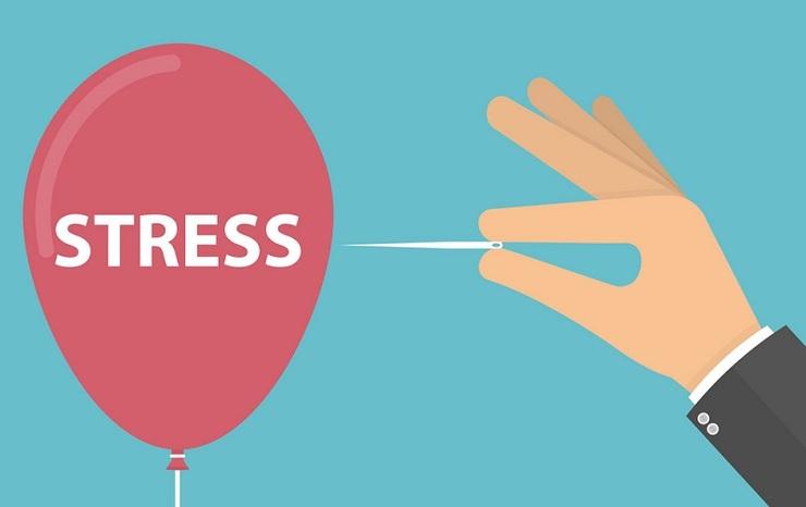 ۴ علامت فیزیکی مهم که نشان میدهد درگیر استرس هستید