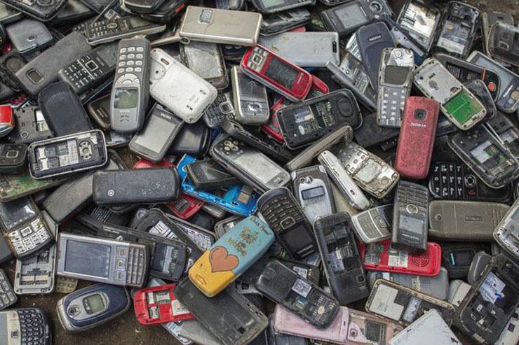 چند نکته عجیب درباره خطرات زیاد تلفن همراه برای محیط زیست