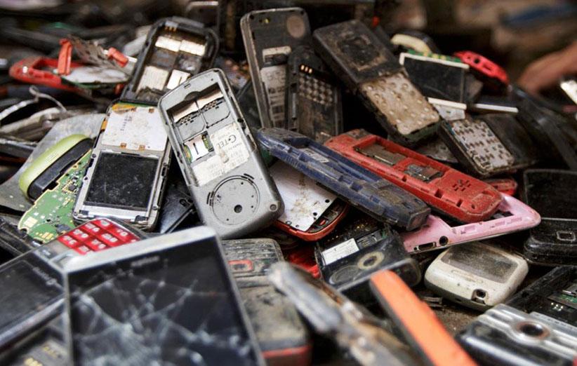 چند نکته عجیب درباره خطرات زیاد تلفن همراه برای محیطزیست