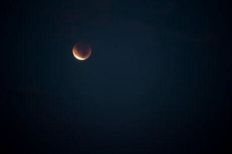 وقوع ماه گرفتگی در آسمان ۱۰ آذرماه + جزئیات