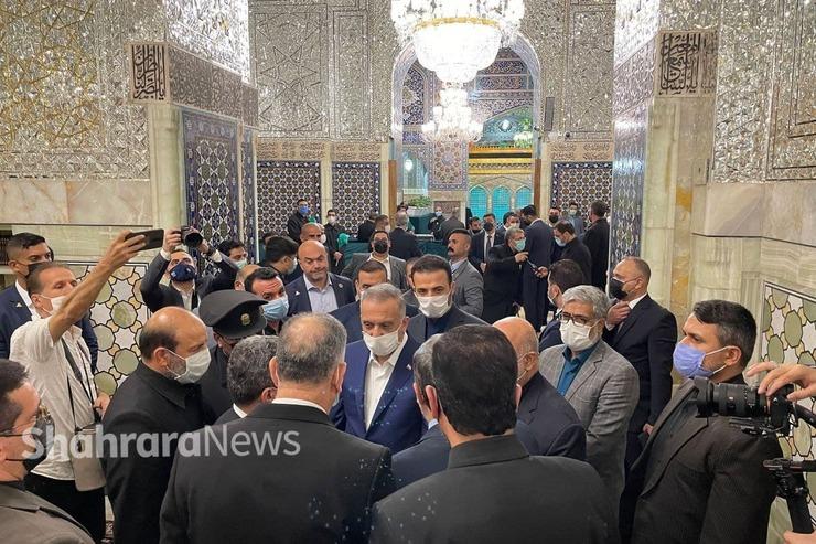 نخست وزیر عراق، حرم مطهر رضوی را زیارت کرد