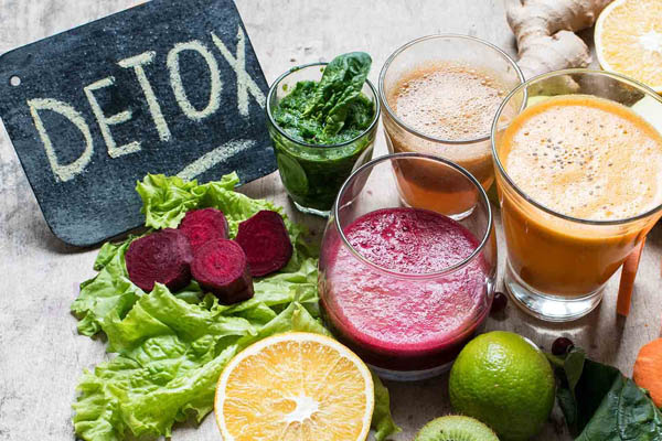 رژیمهای سمزدایی برای پاکسازی بدن + مزایا و معایب